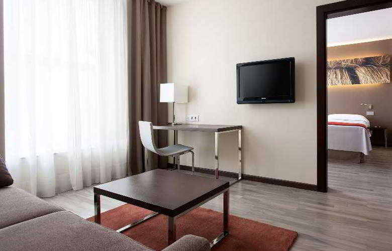 NH Barcelona Diagonal Center - Room - 6