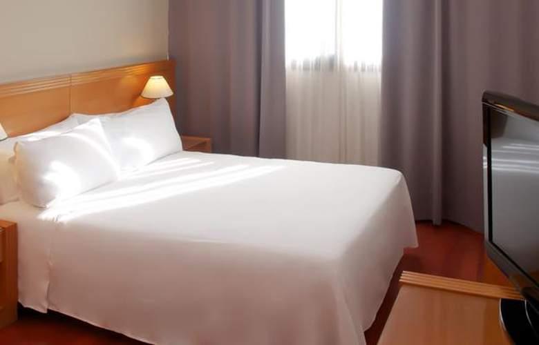 Tryp Málaga Alameda - Room - 9