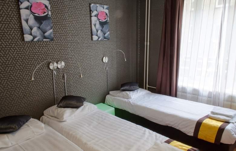 Flipper - Room - 3
