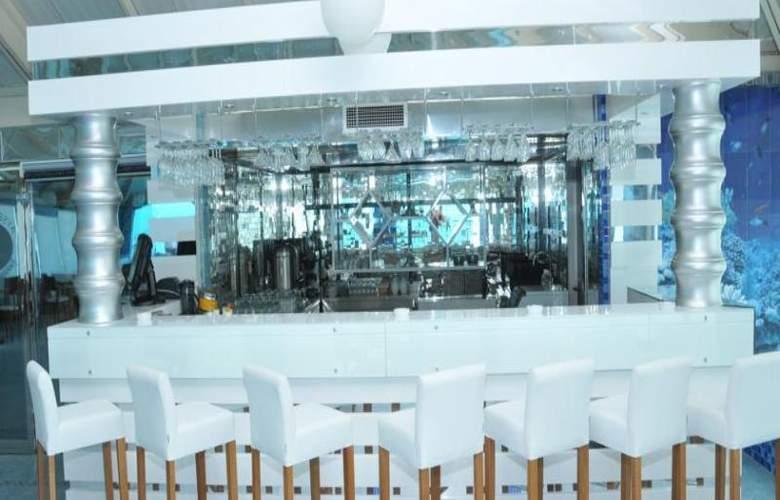 Aysberq Hotel - Bar - 26