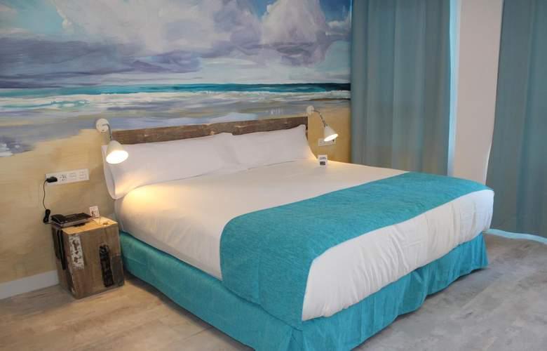 Casual Málaga del Mar - Room - 12