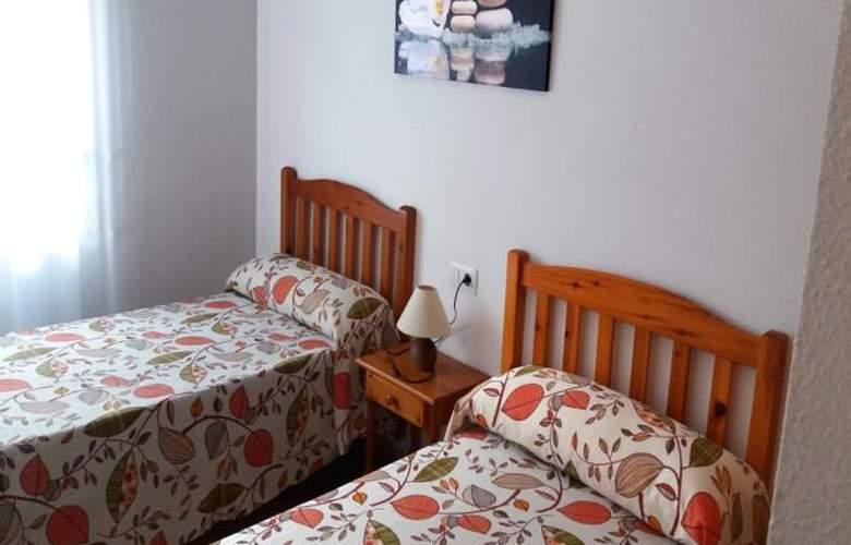 Apartamentos Oropesa 3000 Sin Piscina - Room - 6
