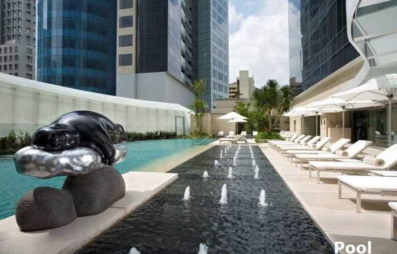 St. Regis Hotel Singapore - Pool - 5