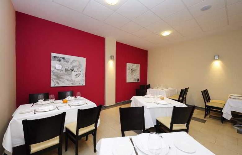 Sercotel Naval - Restaurant - 18