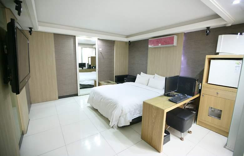 Hit Hotel - Room - 7