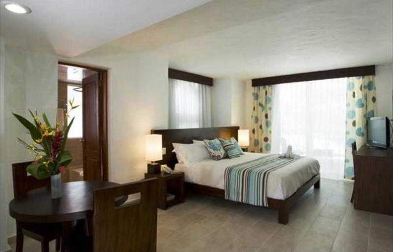 Grand Paradise Playa Dorada All Inclusive - Room - 11