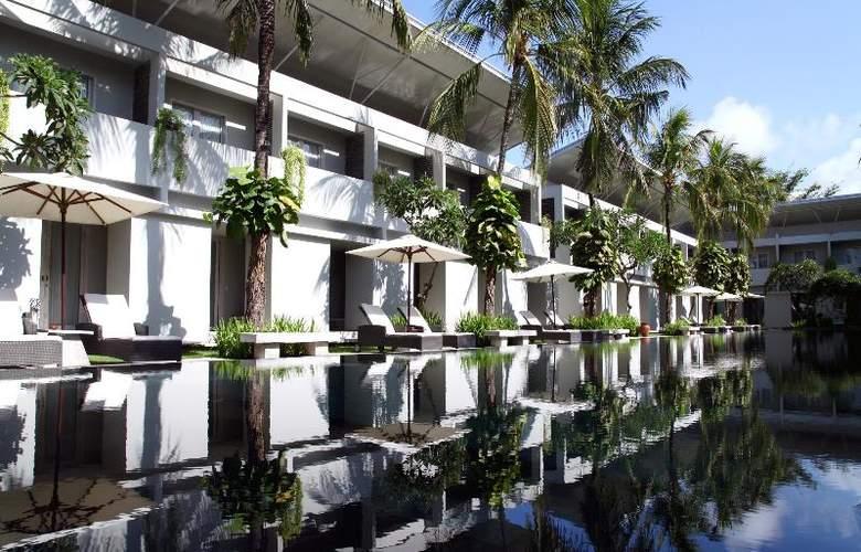 Oasis Kuta - Hotel - 8