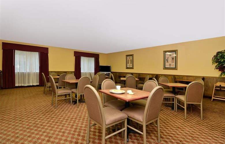 Best Western Woodstone - Restaurant - 67