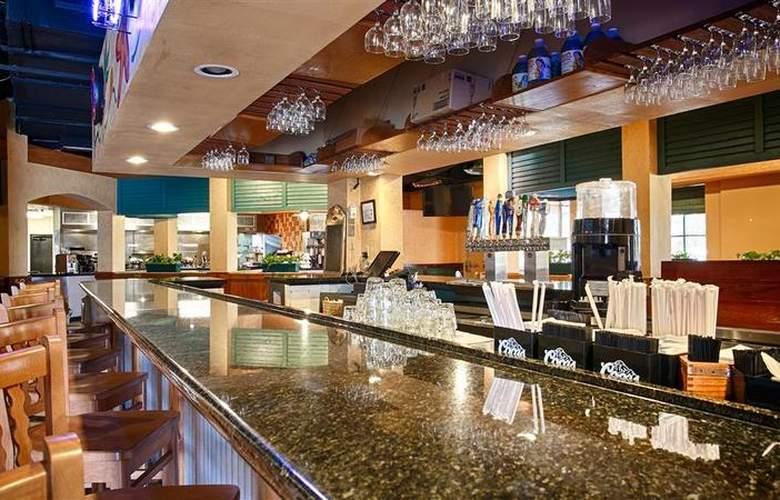 Best Western Plus Orlando Gateway Hotel - Bar - 83