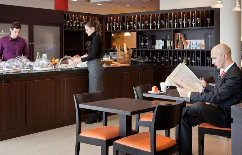 Ibis Oviedo - Bar - 12