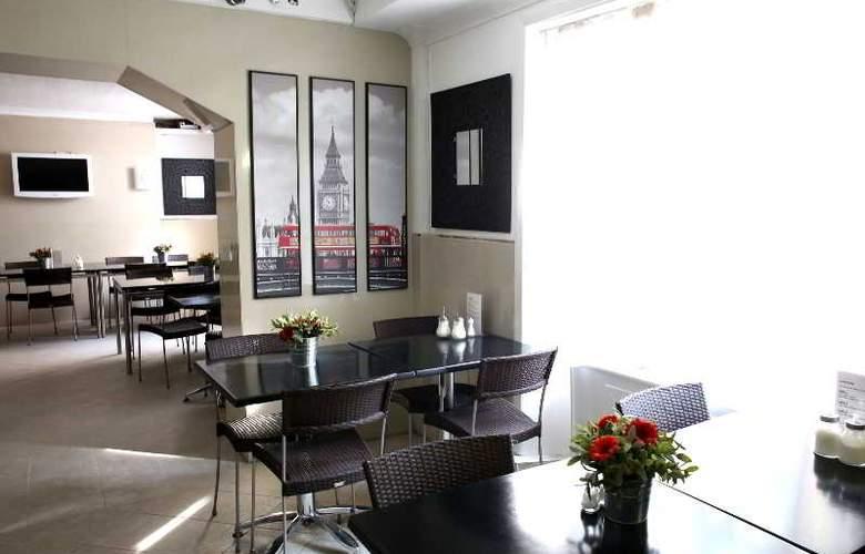 Huttons - Restaurant - 39