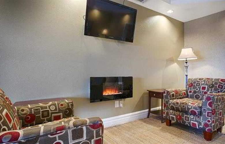Best Western Topeka Inn & Suites - Hotel - 32
