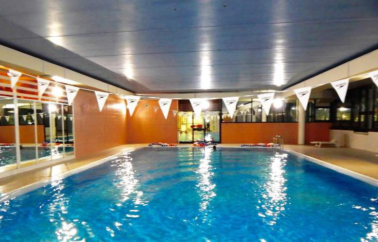Castelli - Pool - 24