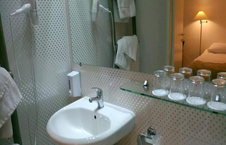 A1 Hotel - Room - 11