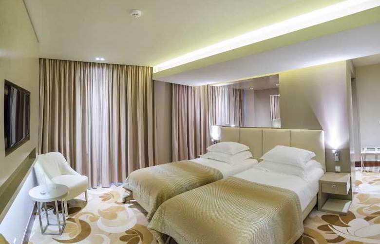 Occidental Lisboa - Room - 6