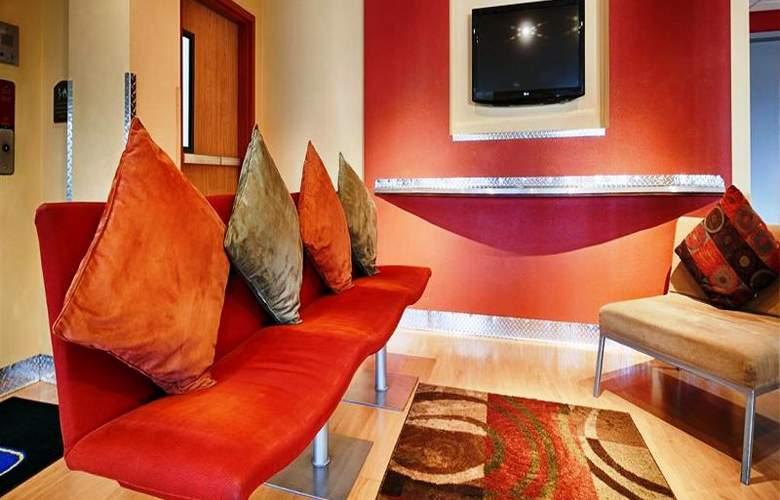Best Western Plus Navigator Inn & Suites - General - 3