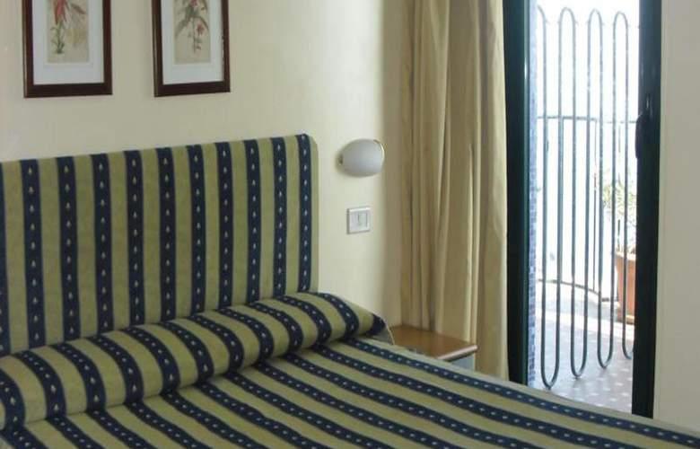 Eden Riviera - Room - 11