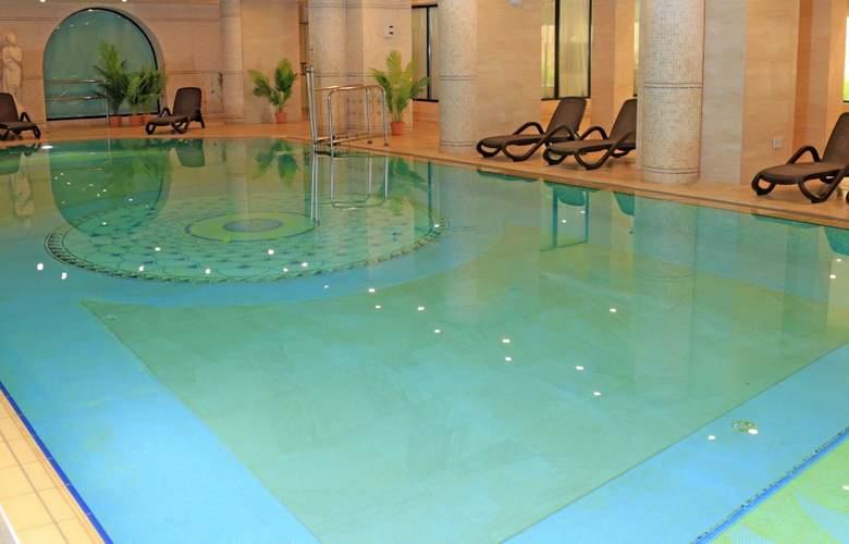 Riviera Resort & Spa - Pool - 9