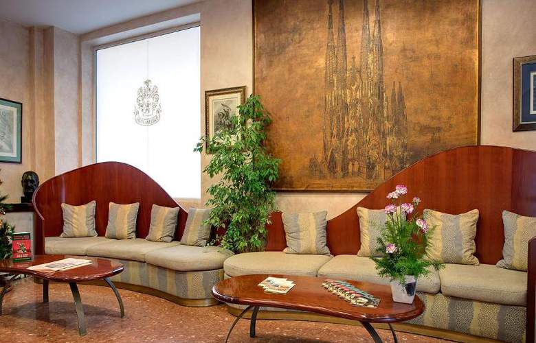 Gaudi - Room - 6