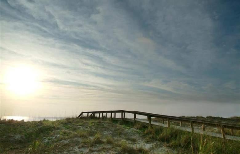 Best Western Oceanfront - Beach - 66