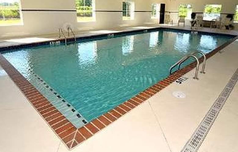 Comfort Suites West Memphis I-40 I-55 - Pool - 6