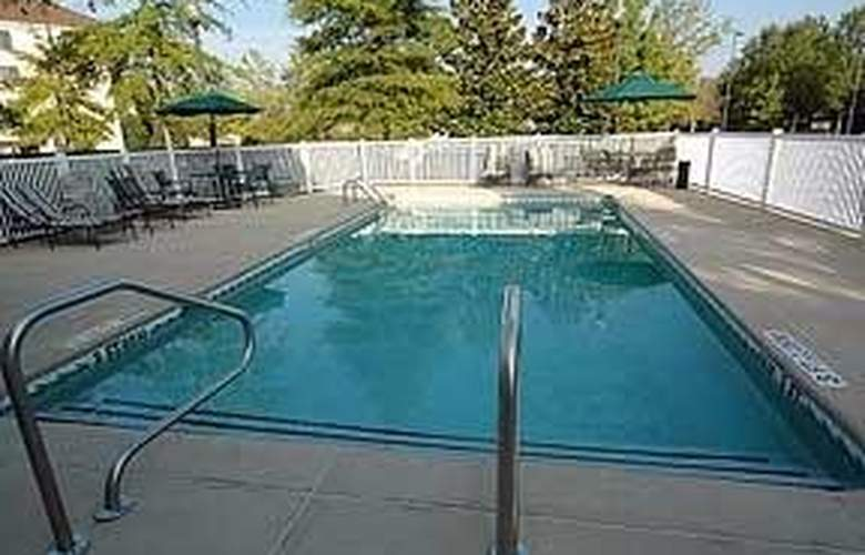 Comfort Inn & Suites Colonnade - Pool - 5