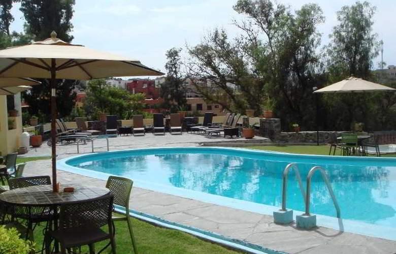 Rancho Hotel El Atascadero - Pool - 2