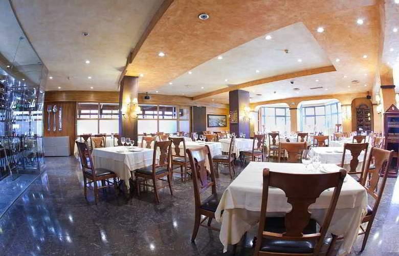Don Carlos - Restaurant - 8