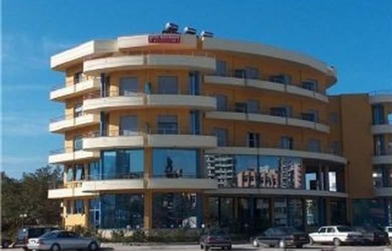 Pavaresia - Hotel - 0
