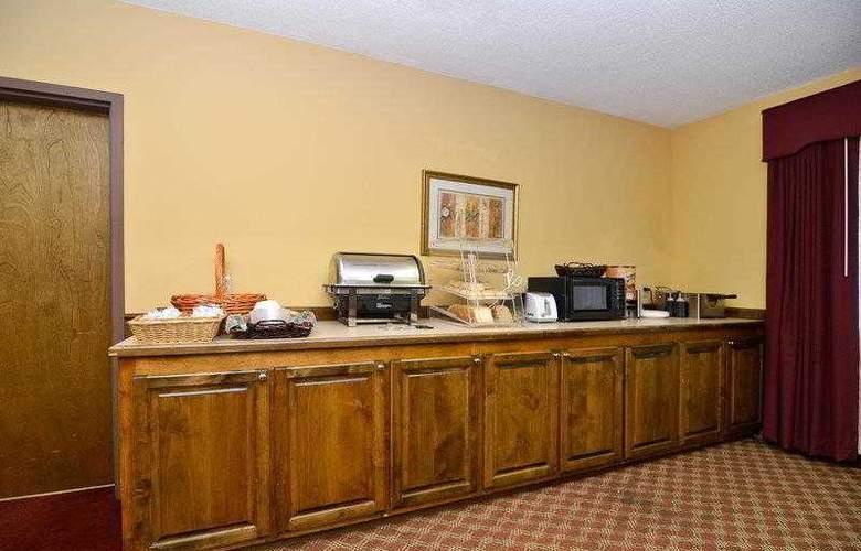 Best Western Woodstone - Hotel - 10