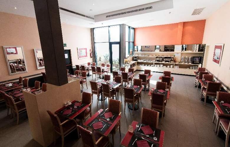 Sunotel Club Central - Restaurant - 12