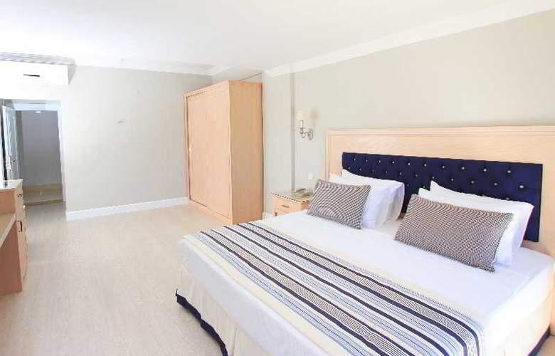 Palm Bay Beach Hotel - Room - 13
