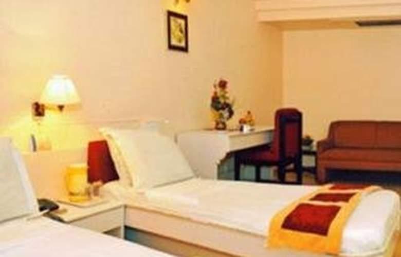 Crown Hotel - Room - 4
