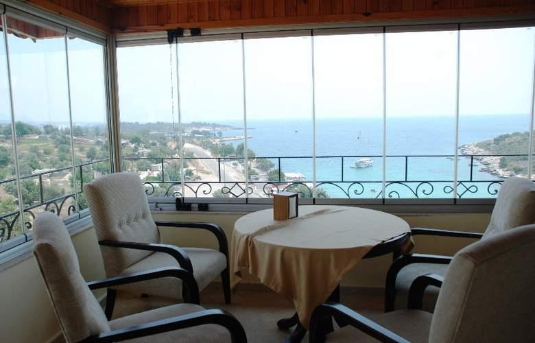 Calamie Hotel - Restaurant - 5
