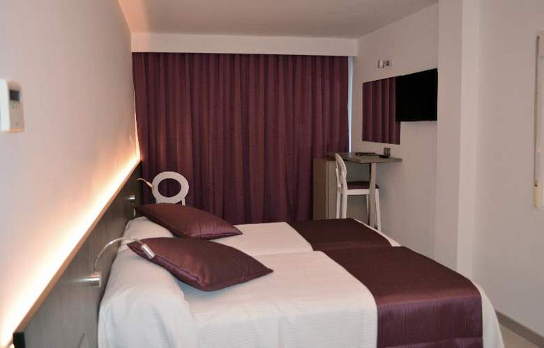 El Puerto Ibiza Hotel Spa - Room - 18