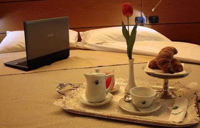 Best Western Hotel Dei Cavalieri - Hotel - 7