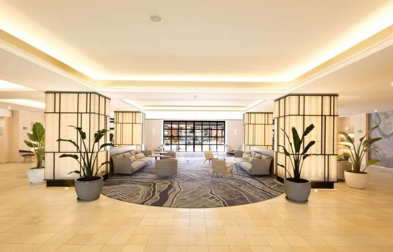 DoubleTree by Hilton Islantilla Beach Golf Resort - General - 1