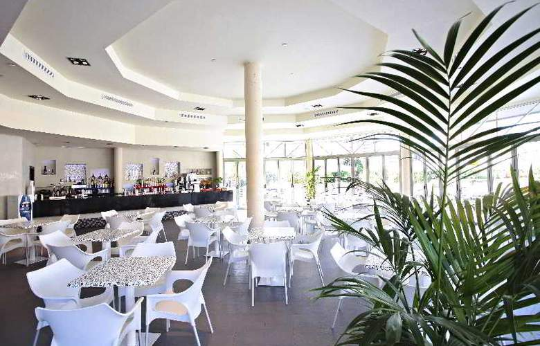 Sandos Monaco Beach Hotel and Spa - Terrace - 39