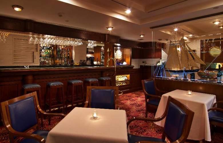 The Riviera Hotel - Bar - 22