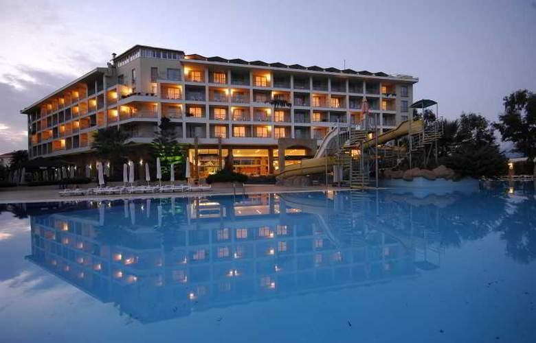 Aska Washington Resort & Spa Hotel - Pool - 12