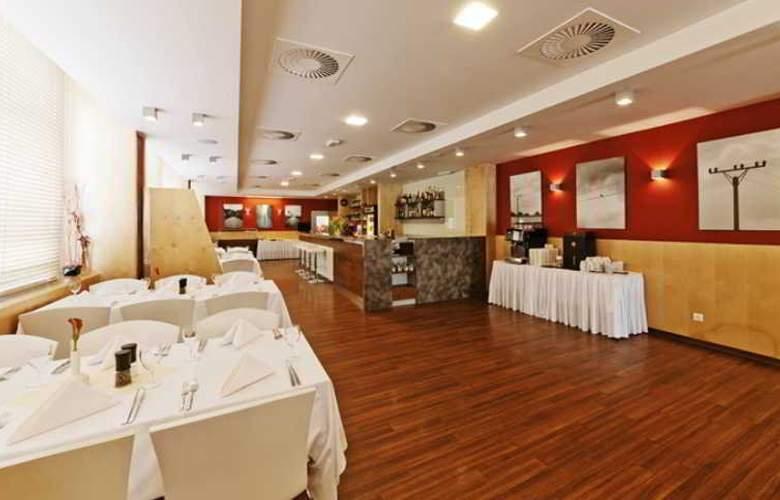Vista Hotel - Restaurant - 34