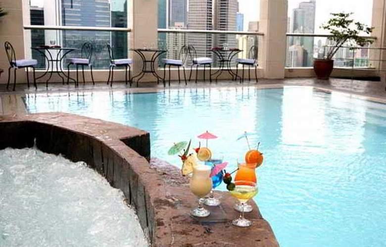 City Garden Hotel Makati - Pool - 2