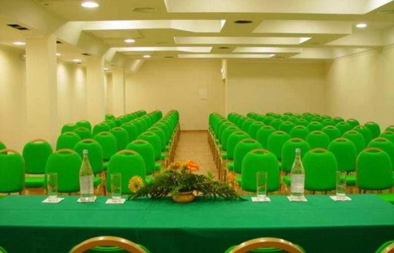 Ria Plaza Resort - Conference - 7