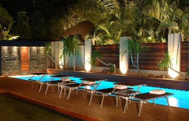 Downtown Villas - Pool - 6