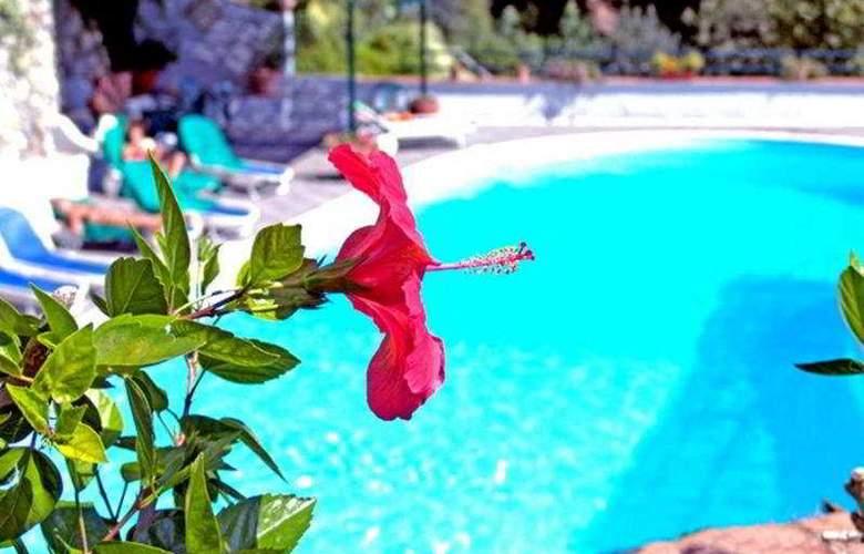 Grand Hotel Tritone - Pool - 5