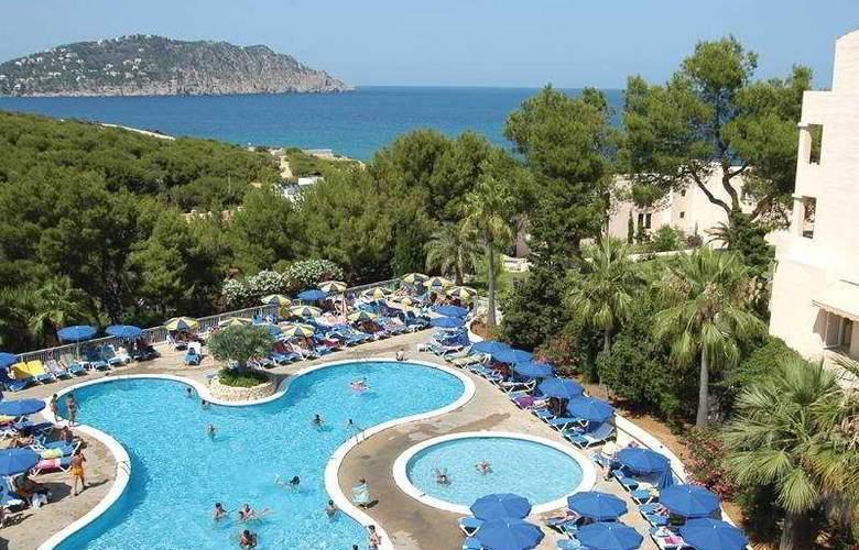 Invisa Hotel Cala Blanca - Pool - 10