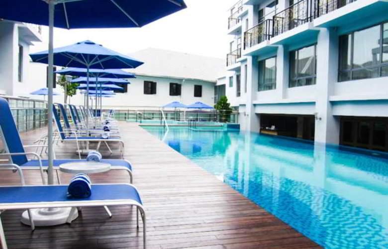 The Royale Bintang Penang - Pool - 5