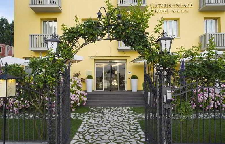 Viktoria Palace - Hotel - 4