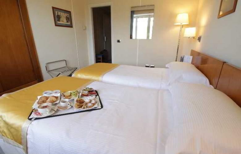 JFK hotel - Room - 16