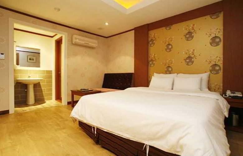 Tobin Tourist Hotel - Room - 2